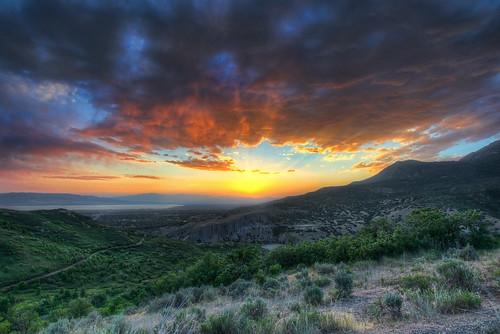 sunset utah nikon uinta raw canyon timpanogos nikkor cascade hdr provo d800 squawpeak utahcounty photomatix 7xp afs1635mmf4gedvr