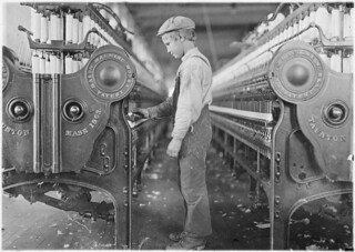 A doffer in Lincolnton Mill. Lincolnton, N.C, November 1908