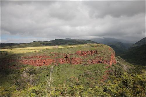canonef1635mmf28lusm canoneos5d kauai vert canyon gris hawaii landscape nature ocre paysage usa kaumakani unitedstates kauaʻi hill red rouge green