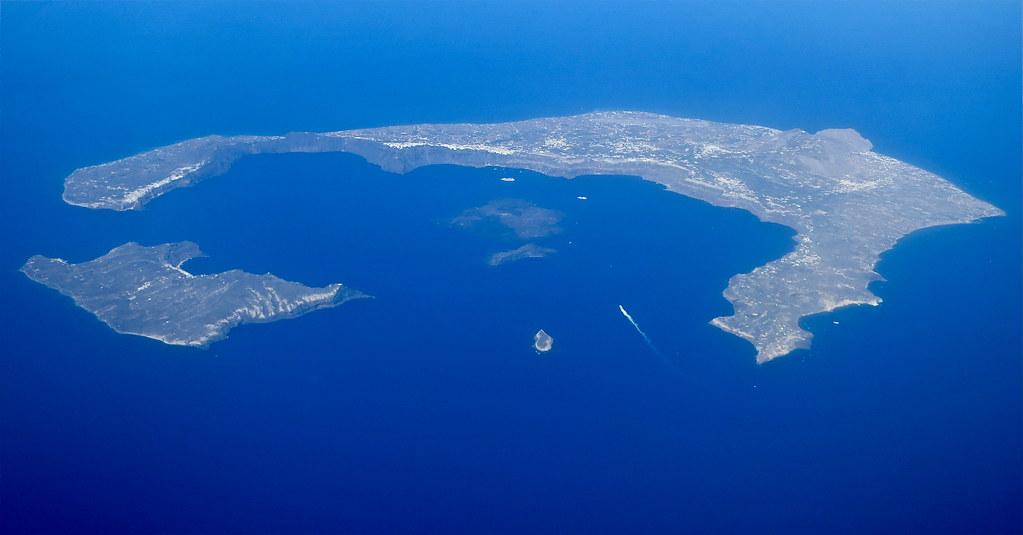The Santorini Caldera That Was One Massive Volcanic Burst