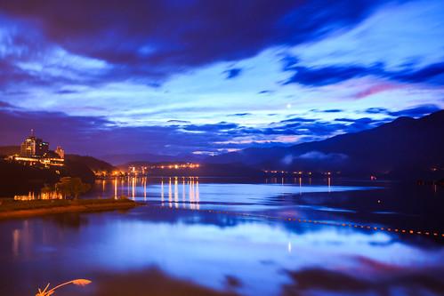 morning lake mountains reflection sunrise taiwan 南投 台灣 雲 山 日月潭 sunmoonlake nantou 湖泊 日出 倒影 水社大山 日月行館 出水口