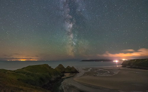 milkyway night sky stars nightscape astro astrophotography landscape threecliffsbay gowerpeninsula pennard coast beach bay coastline headland estuary river