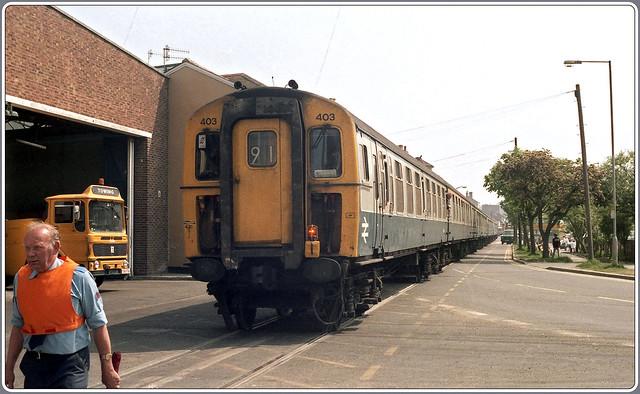 1986.06.19-06 weymouth boat train photo 2 of 5