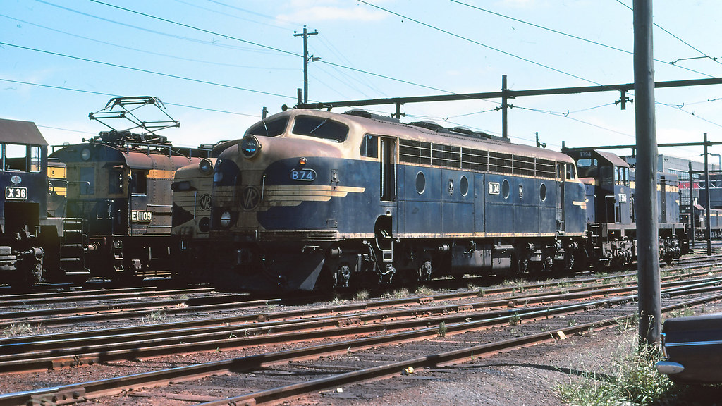 B74 at South Dynon loco depot by michaelgreenhill