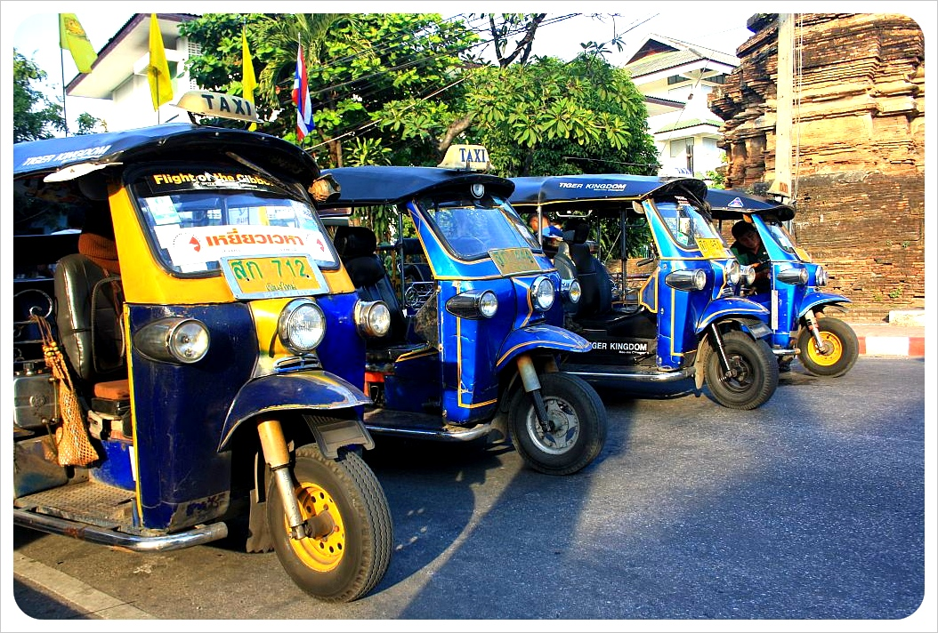 tuktuks in chiang mai