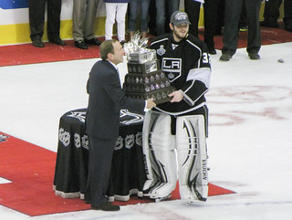Jonathan Quick awarded Conn Smythe Trophy by NHL Commissioner Gary Bettman | by mark6mauno