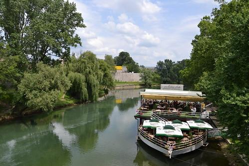 club yachting restoran