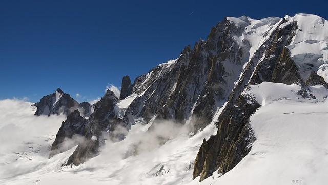 Glacier du Géant, de la Tour Ronde au Mont-Blanc du Tacul avec le Grand Capucin et les Aiguilles du Diable !...