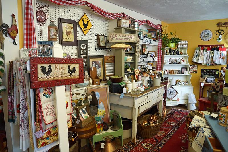 A Bit of Vintage Heaven Antique Mall 310 North Tower Avenue Centralia, WA