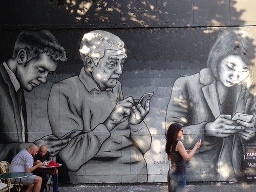 Phone addicts | by Jeanne Menjoulet