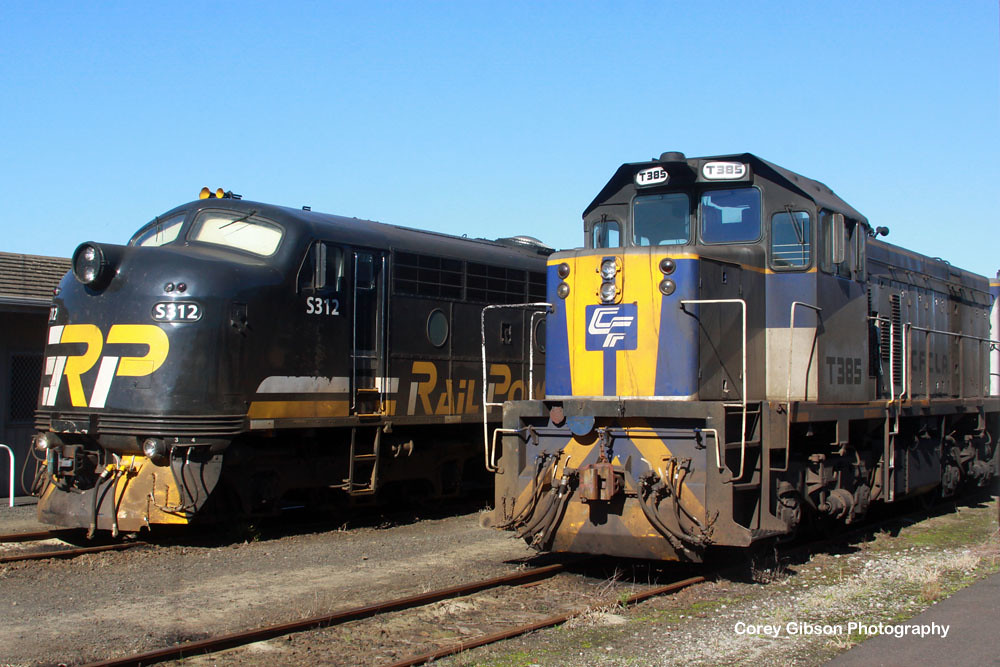 S312 & T385 stabled in Portland by Corey Gibson