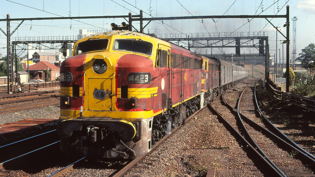 NSWGR_BOX006S16 - 4423, 4483 at Strathfield with the Southern Aurora by michaelgreenhill
