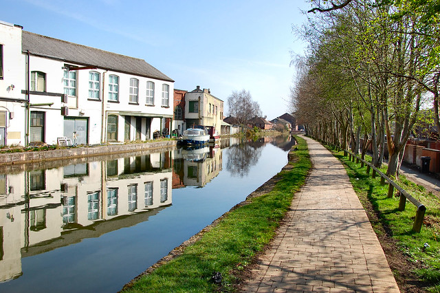 Mirror images on the canal.4