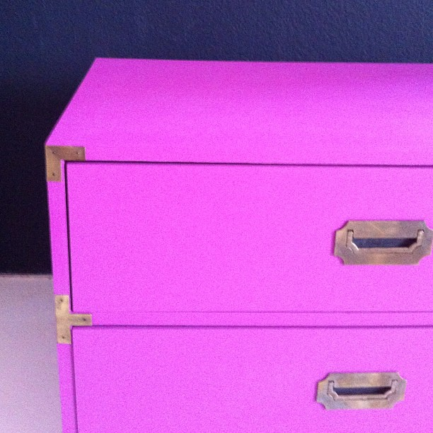 More #insomnia #DIY - found another #vintage #campaignchest and #reworked it in this great #magenta #paint