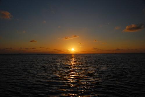 ocean sunset summer sky coast nikon maldives 2009 atol filitheyo d40 faafu pwpartlycloudy