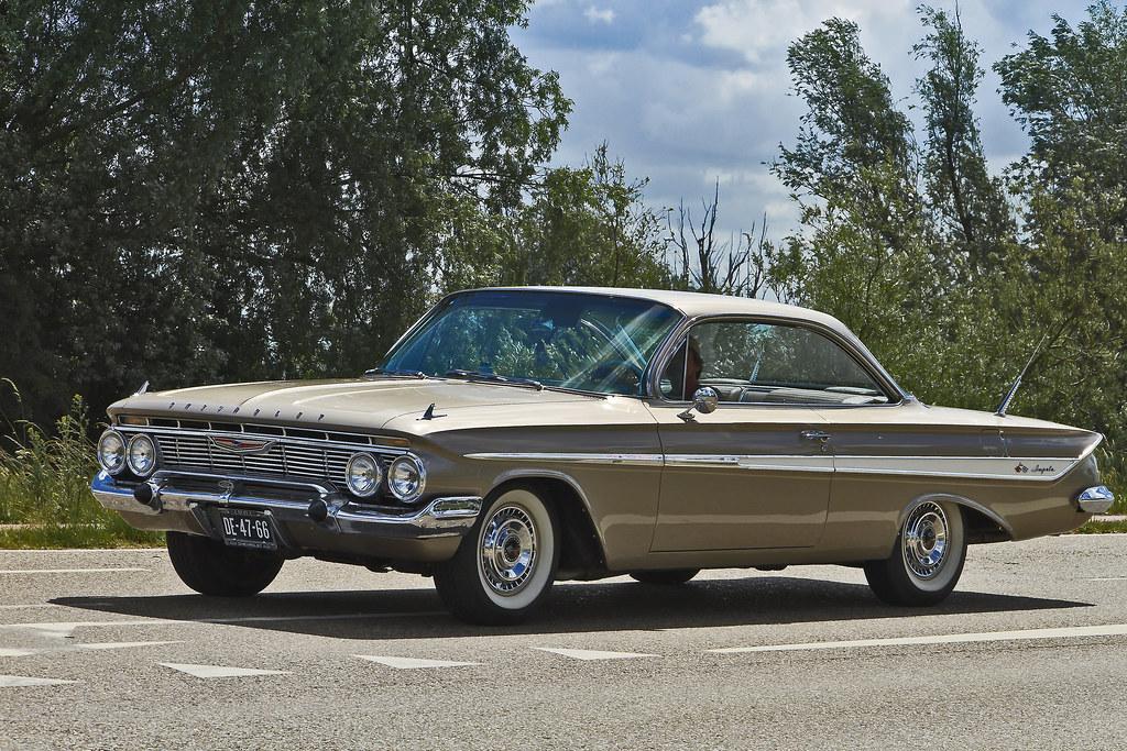 Chevrolet Impala Sport Coupé 1961 (2538)