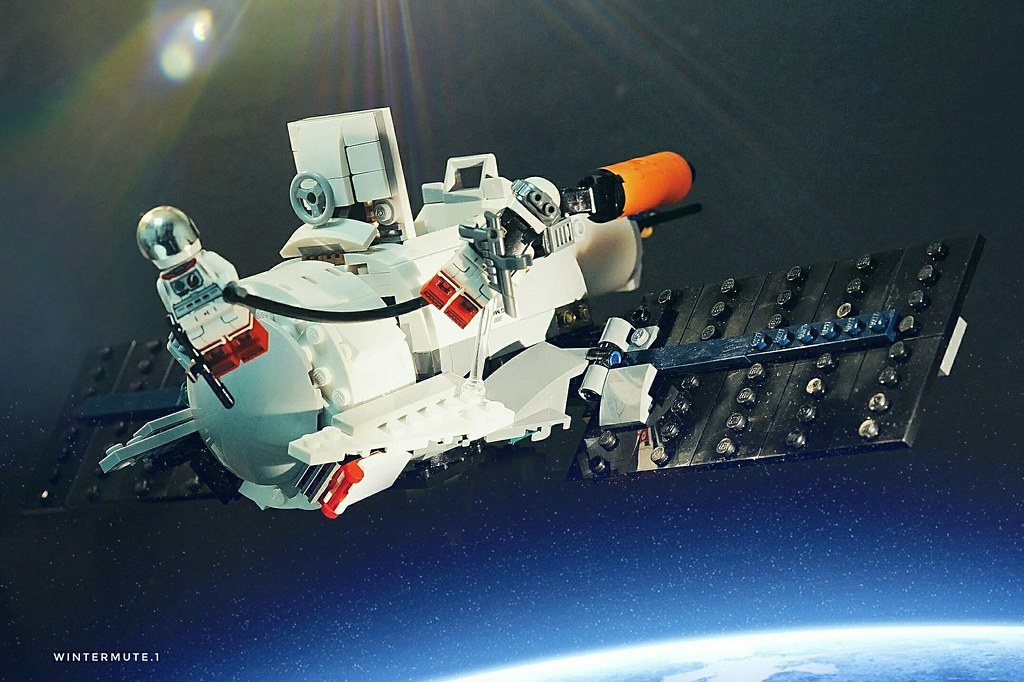On-Orbit mission.!   #lego #legophotography #toy #toyphotography #moc #minifigure #afol #space #spaceflight