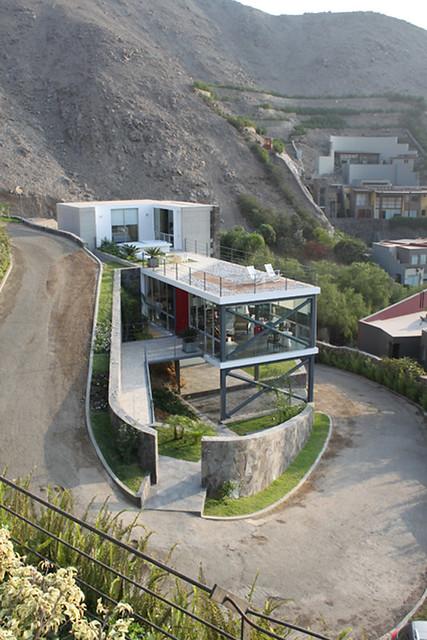Casa Mirador in Lima, Peru, by 2.8xArquitectos