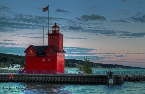 blue sunset red lighthouse holland water night clouds evening pier kevin michigan saturday september 2012 bigred llmsmiholland povenz tpslandscape