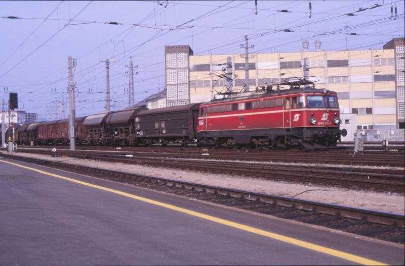 4572 Linz 5 september 1987 by peter_schoeber