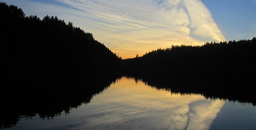 blue autumn sunset white lake black reflection fall water clouds evening washington october glowing waterscape chainlakes marilynhassler omadarlingphotography
