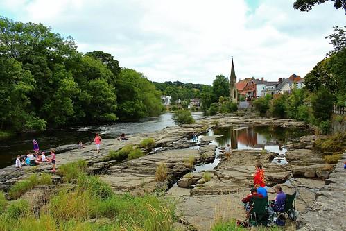 europe uk wales llangollen markettown outdoor nature river riverdee