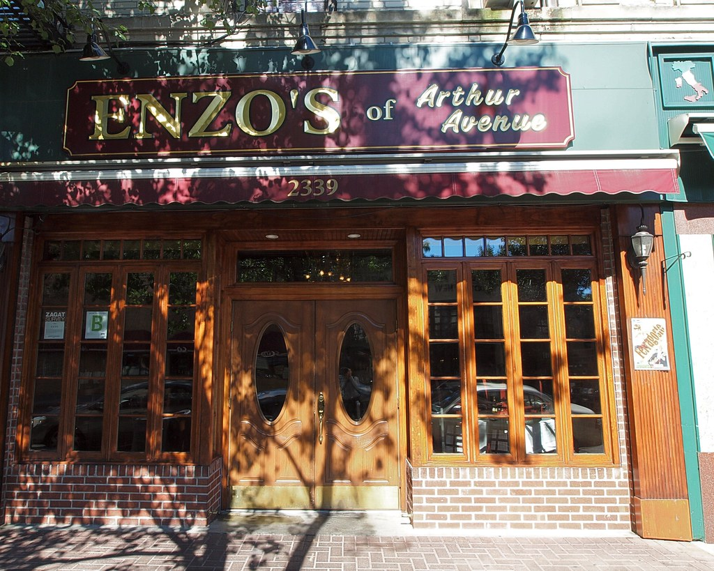 Enzo S Italian Restaurant Little Italy Bronx New York C