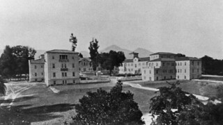 Harwood Court, shortly after its 1921 construction