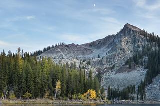 Autumn colors along Louie Lake