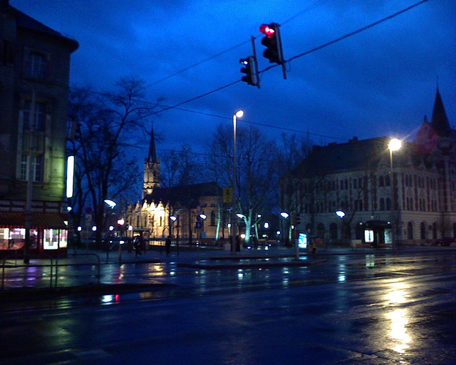The Local Government's #Headquarters (to the right) on #Ujpest-Kozpont (Ujpest #Centrum) in the #Evening in #Pest, #Budapest, #Hungary - #mobile #photo shot with #SonyEricsson #K510i mobile phone - remains #unedited