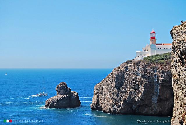 Portogallo. Faro sull'Oceano Atlantico.                        2