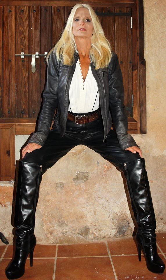 Riding Mistress Natascha | Leather Goddess