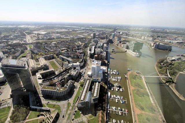 Düsseldorf vom Rheinturm - Medienhafen 05