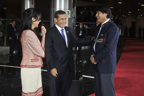 Mandatario peruano saludó a su par boliviano Evo Morales   by Presidencia Perú