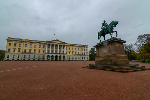 The Royal Palace in Oslo (Slottet) | by Jorge Lascar