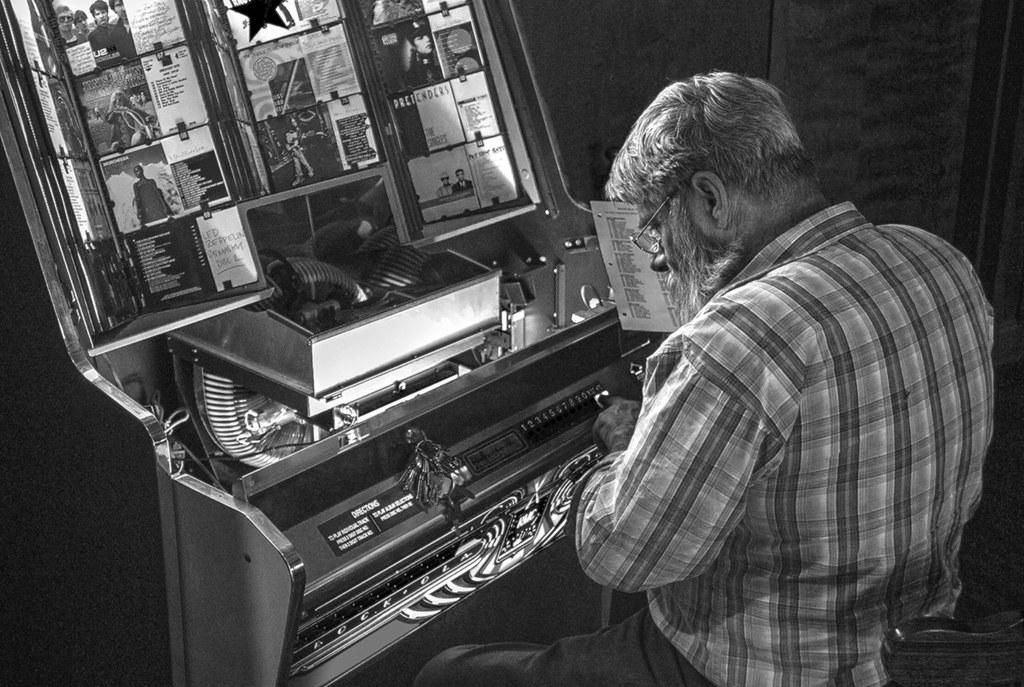 Jukebox Repairman | Best big He had a fine, complicated set … | Flickr