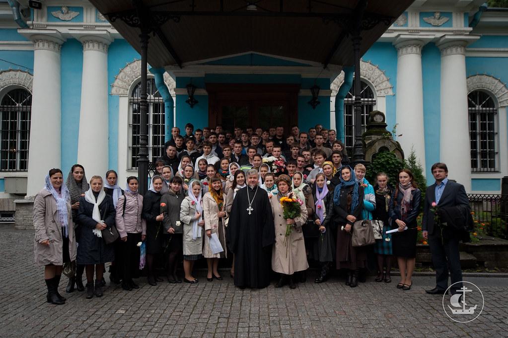 2 сентября 2012, Паломническая поездка первокурсников по святыням Петербурга