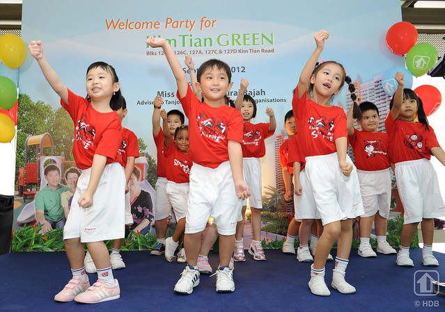 Welcome Party for Residents of Kim Tian Green