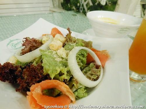 3.Smoked salmon salad RM 16.90