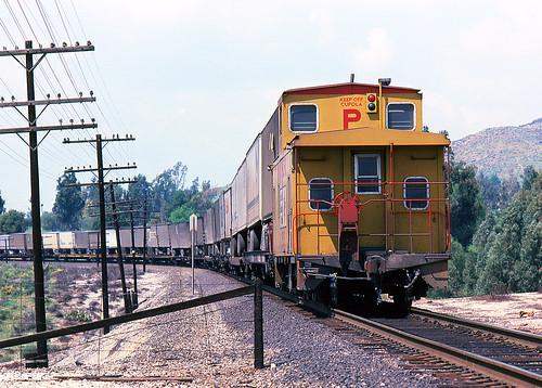california up arlington trains caboose unionpacific piggyback