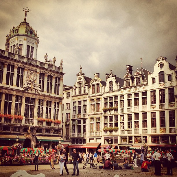 Post Lunch Walk Through #grandplace