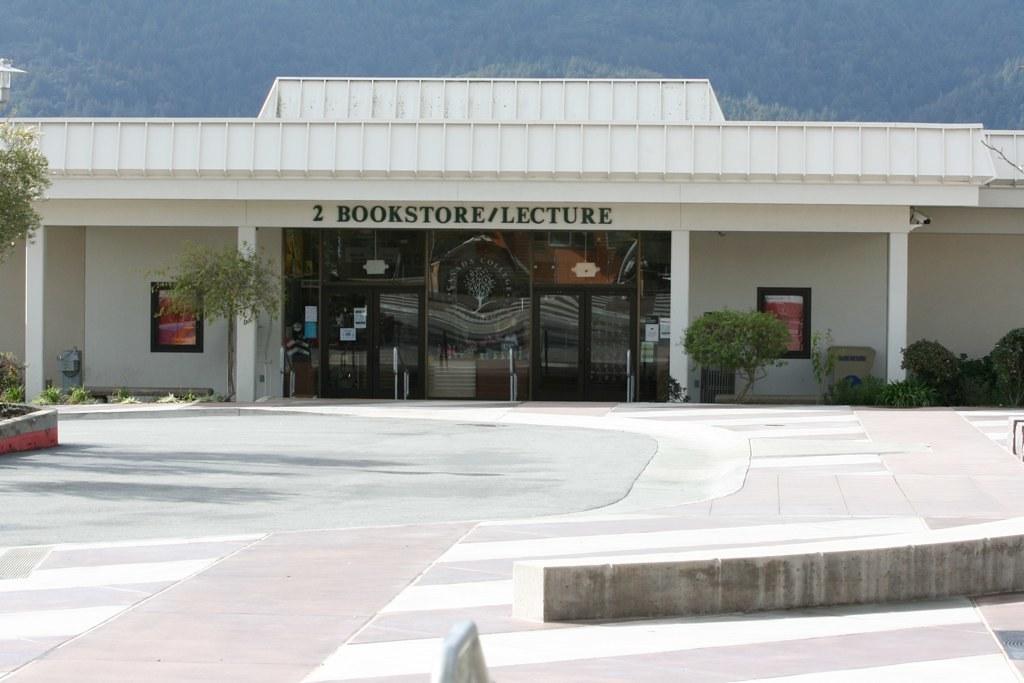 Cañada Bookstore