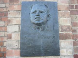 Berlin Gedenktafel Dietrich Bonhoeffer (1906-1945) Kirche St. Matthäus Matthäikirchplatz in 10785 Tiergarten | by Bergfels