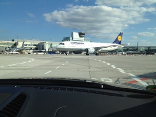 Lufthansa First Class Service at Frankfurt Airport - Thank you very much | by jens kuhfs
