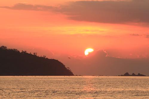 sea beach playa colores cielo sunrises japon playas yugawara crepusculos coloresdeotoño amanaceres coloresdelcielo yoshihamabeach manazurupenisula yugawarasunrise yugawarabeach crepusculosenjapon twilightinyugawara
