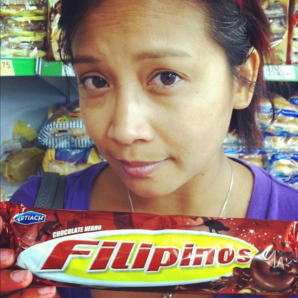 "#kvpspain : Spotted dark chocolate ""Filipinos"" inside #barcelona supermarket. #fb"