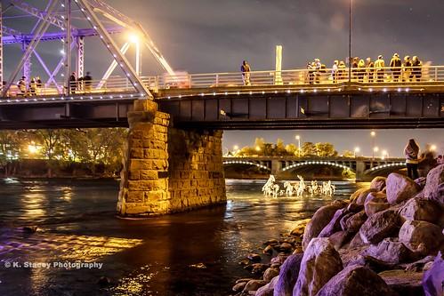 city bridge horses sculpture night lights twilight cityscape grandrapids sticktoitiveness artprize