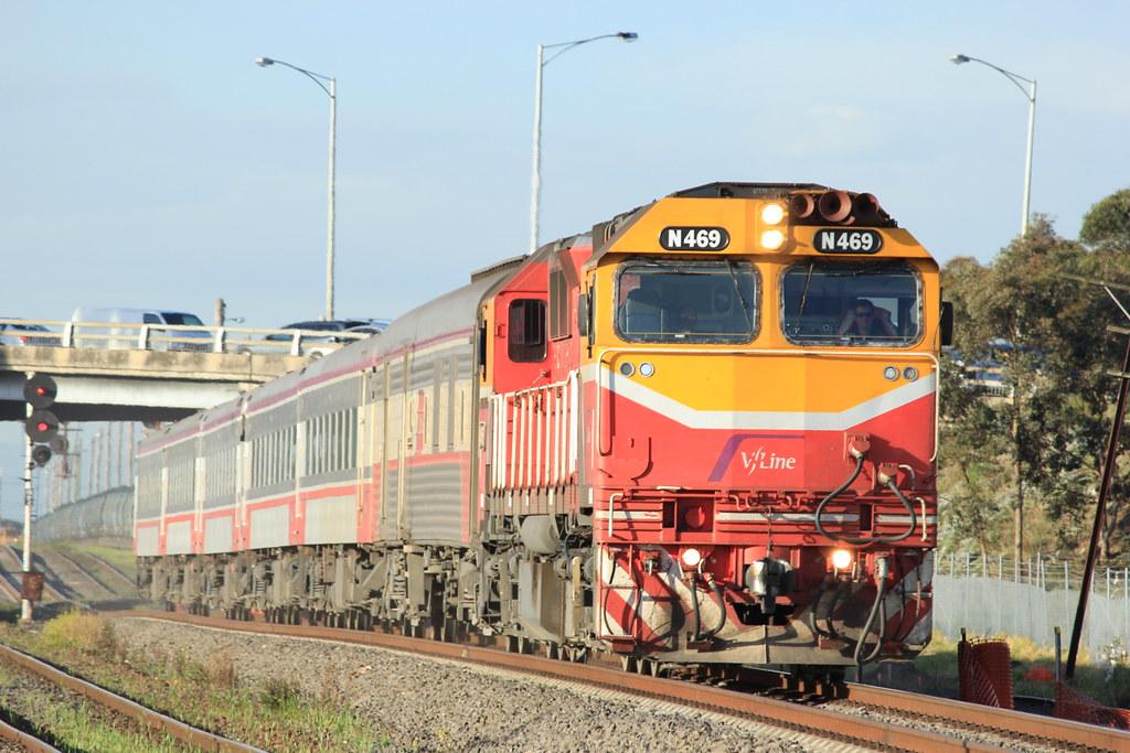 N469 powers its way through McIntye loop on an UP Vline Albury service by bukk05