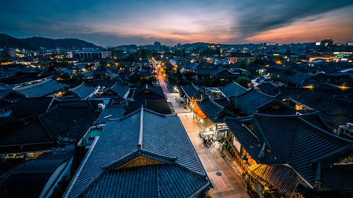 Sunset in Jeonju - South Korea - Travel photography | by Giuseppe Milo (www.pixael.com)