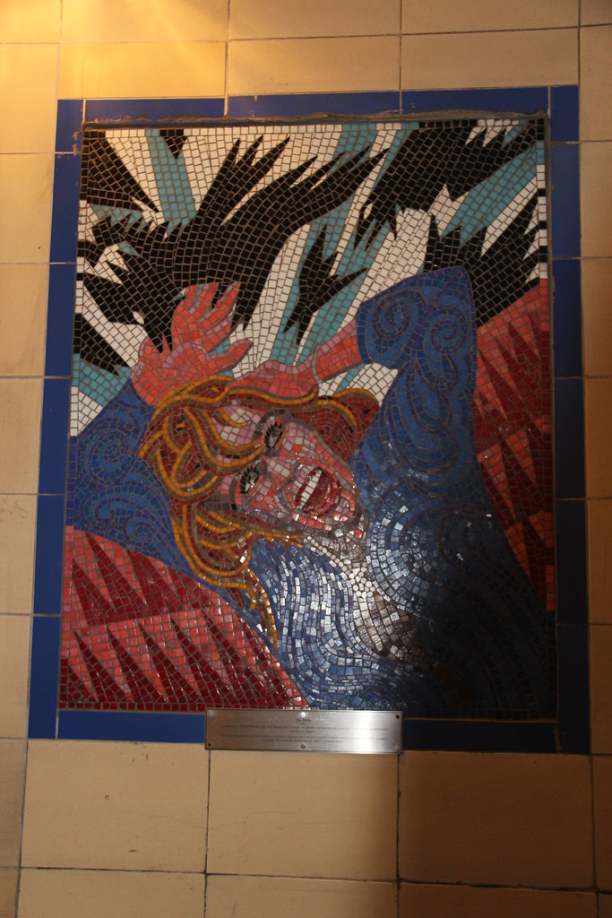 Tippi Hedren In The Birds This Mosaic In Leytonstone